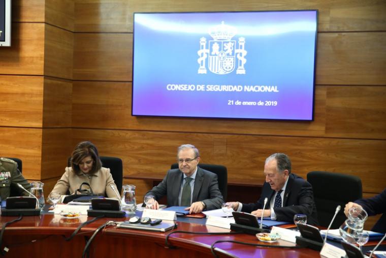 El general Ballesteros amb el General Fèlix Sanz en la reunió d'ahir