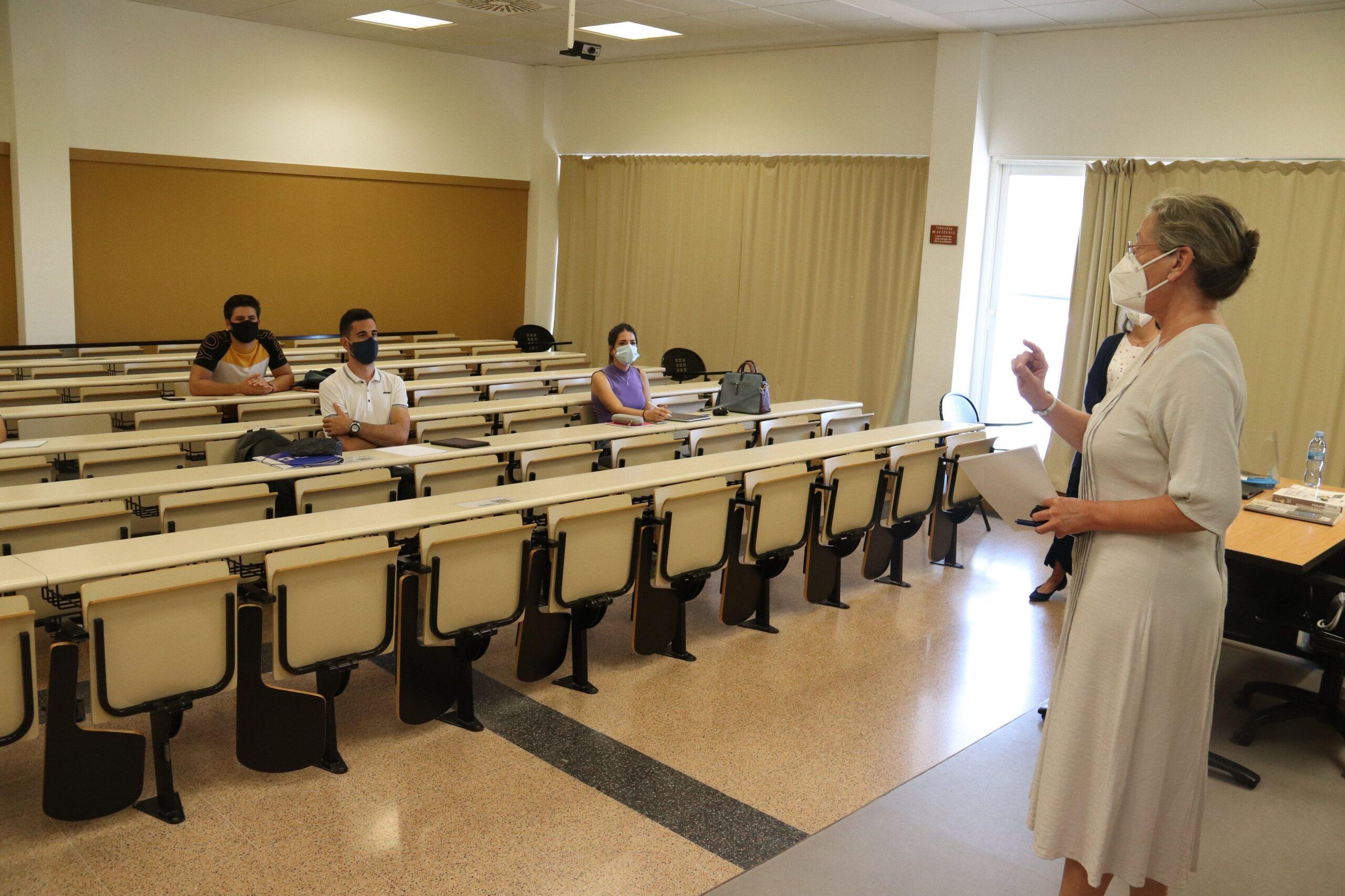 Una classe de 4t de grau a la Facultat de Ciències Econòmiques i Empresarials de la UdG el 14 de setembre de 2020 (ACN)