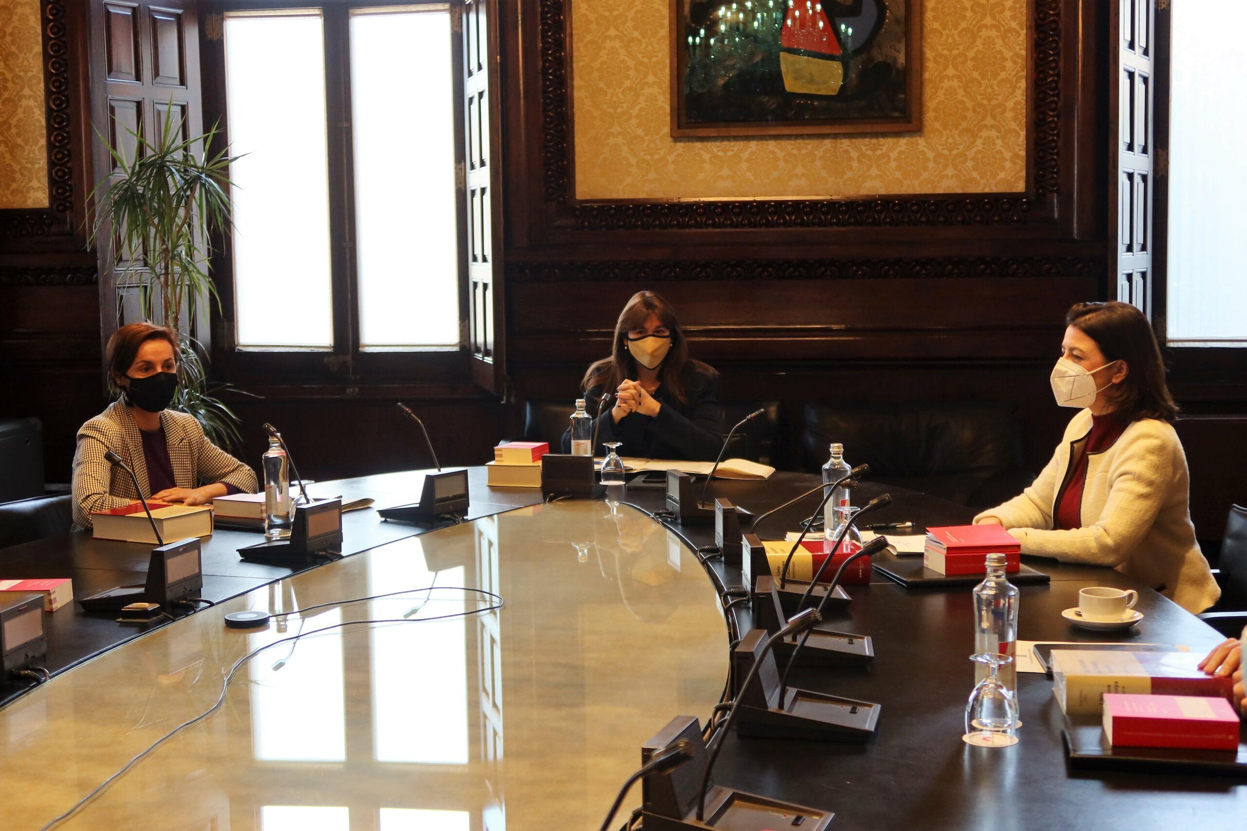 Laura Borràs, Eva Granados i Anna Caula en la primera reunió de Mesa d'aquesta legislatura/Parlament