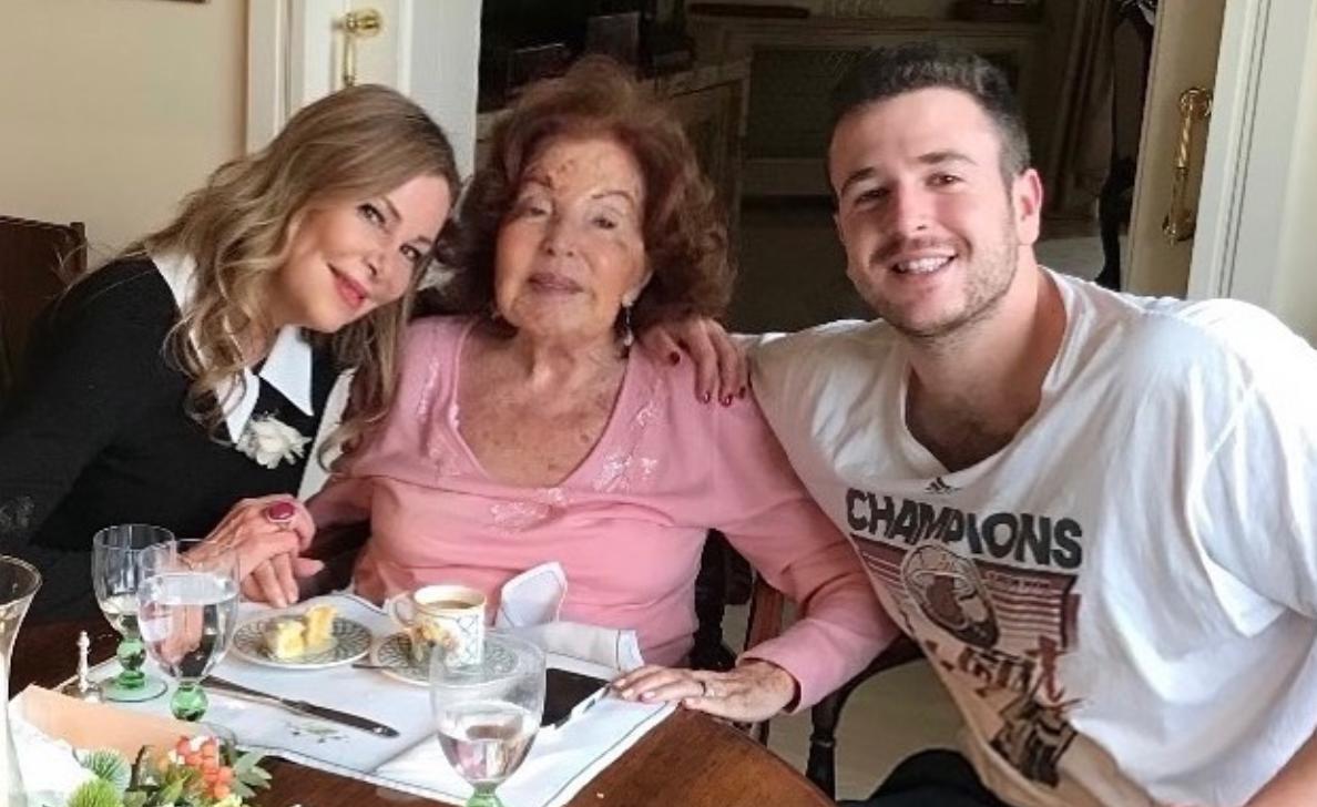 Ana Obregón amb la seva mare i el seu fill | Instagram