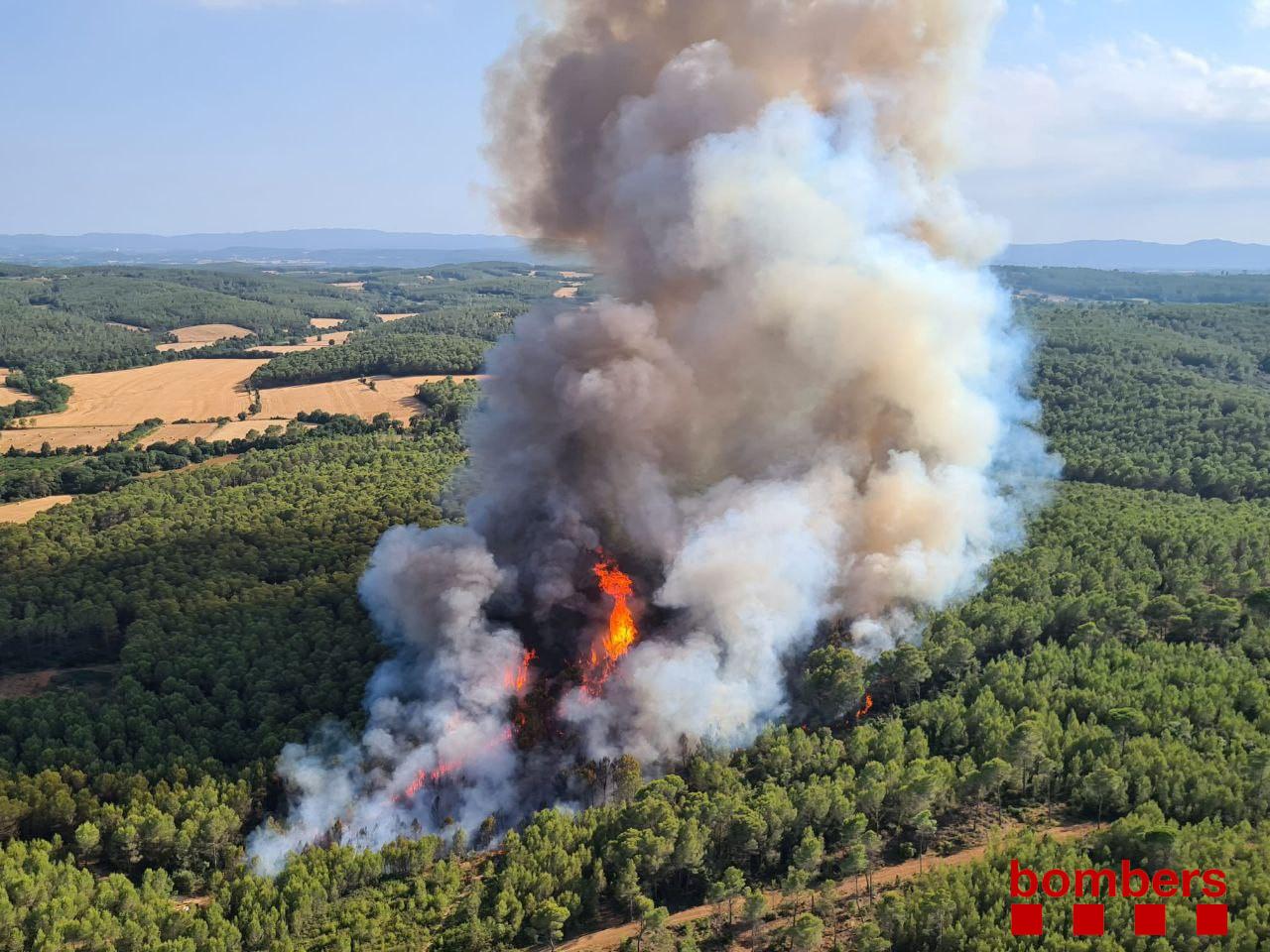Imatge de l'incendi a Ventalló / Bombers