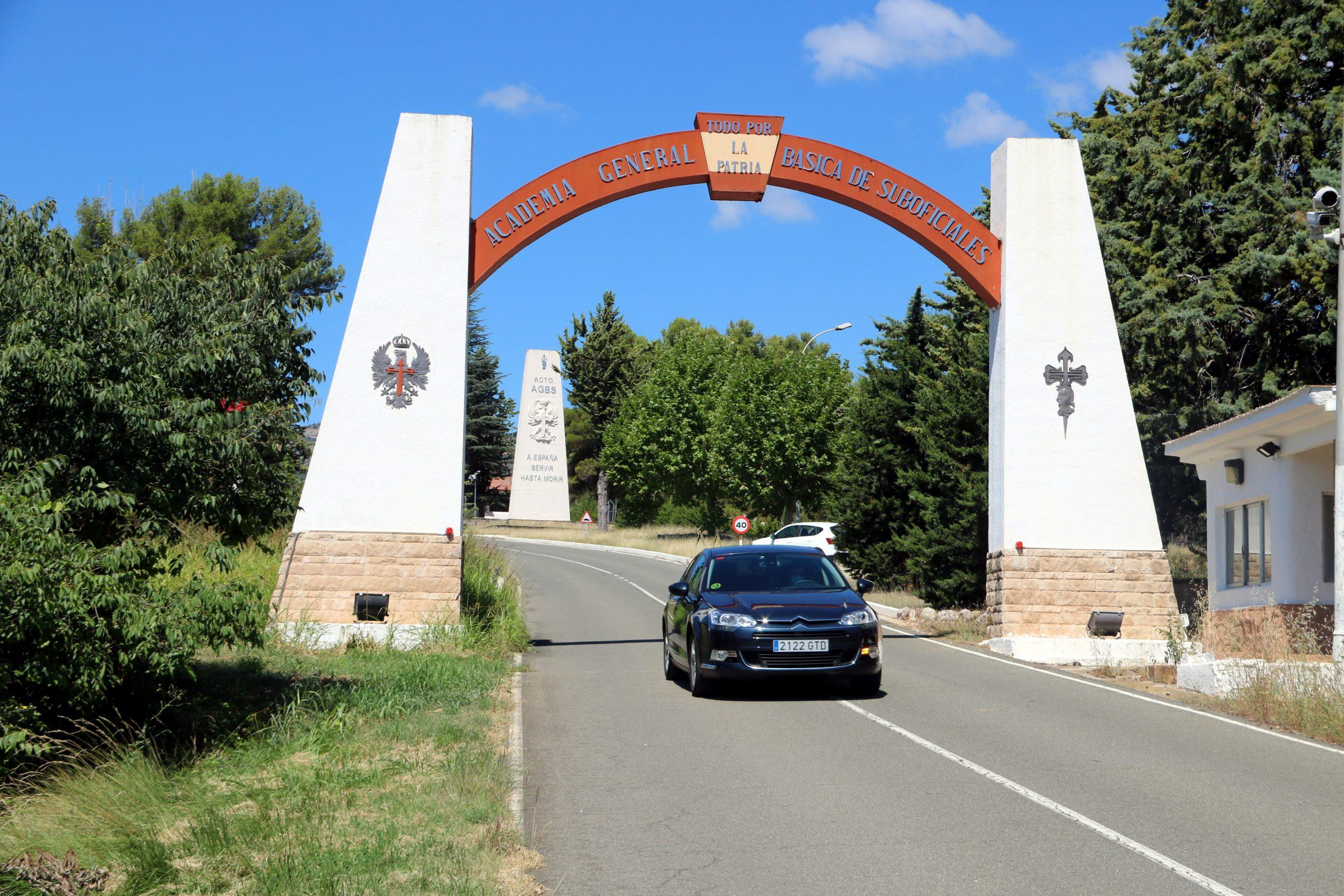 L'entrada de l'Acadèmia militar de Talarn el 3 d'agost del 2020 (ACN)
