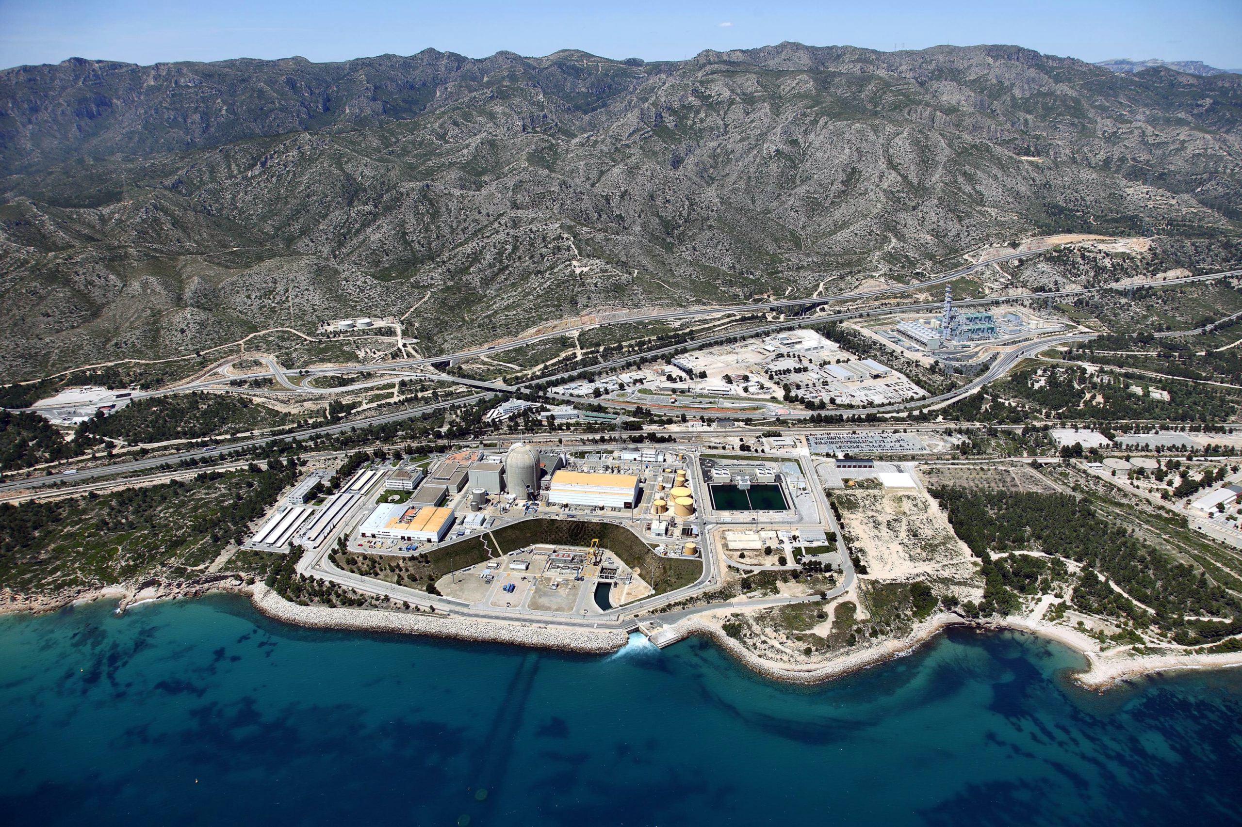 Vista aèria de la central nuclear de Vandellòs II / ACN