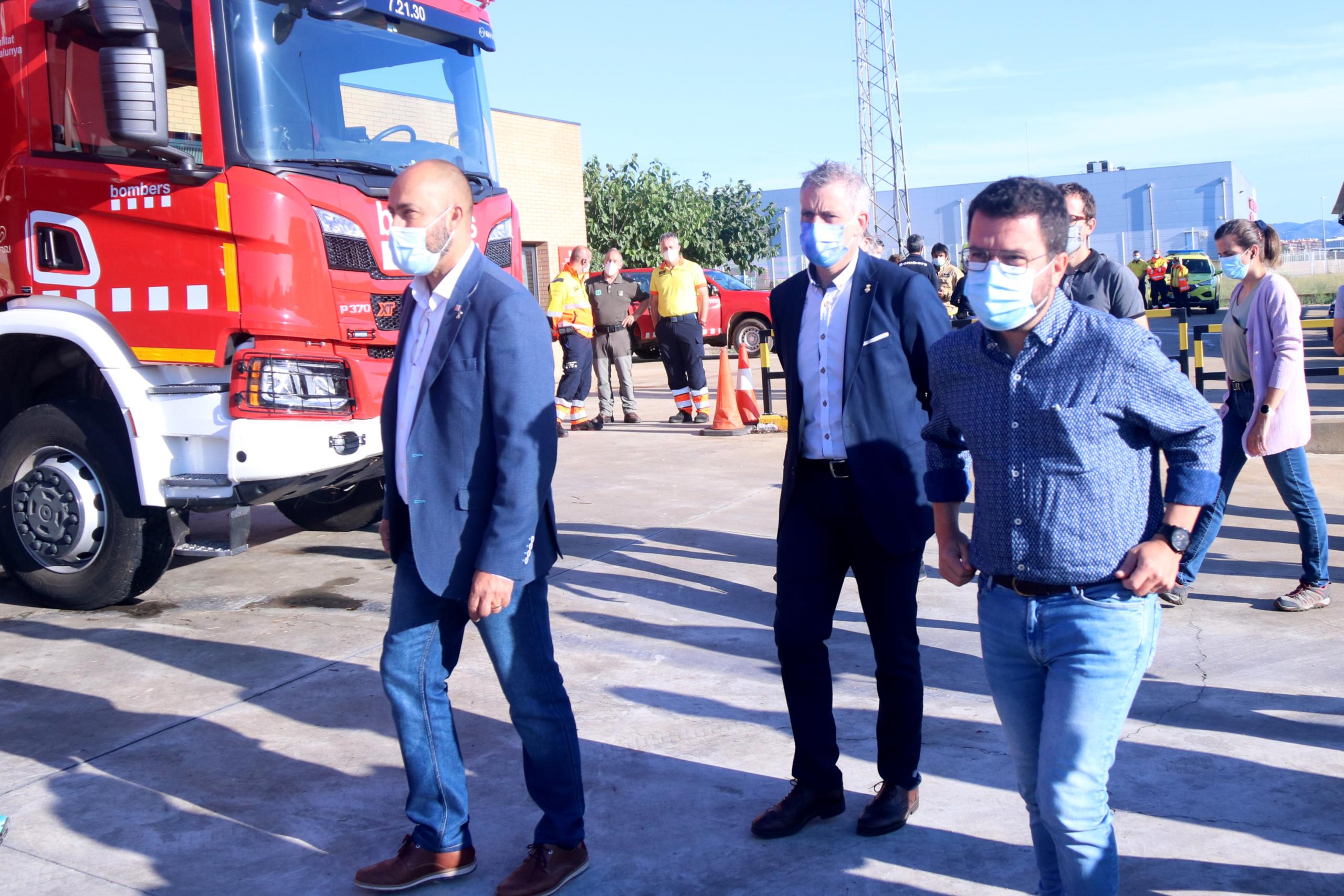 El president de la Generalitat, Pere Aragonès, arribant al parc de bombers d'Amposta (ACN)