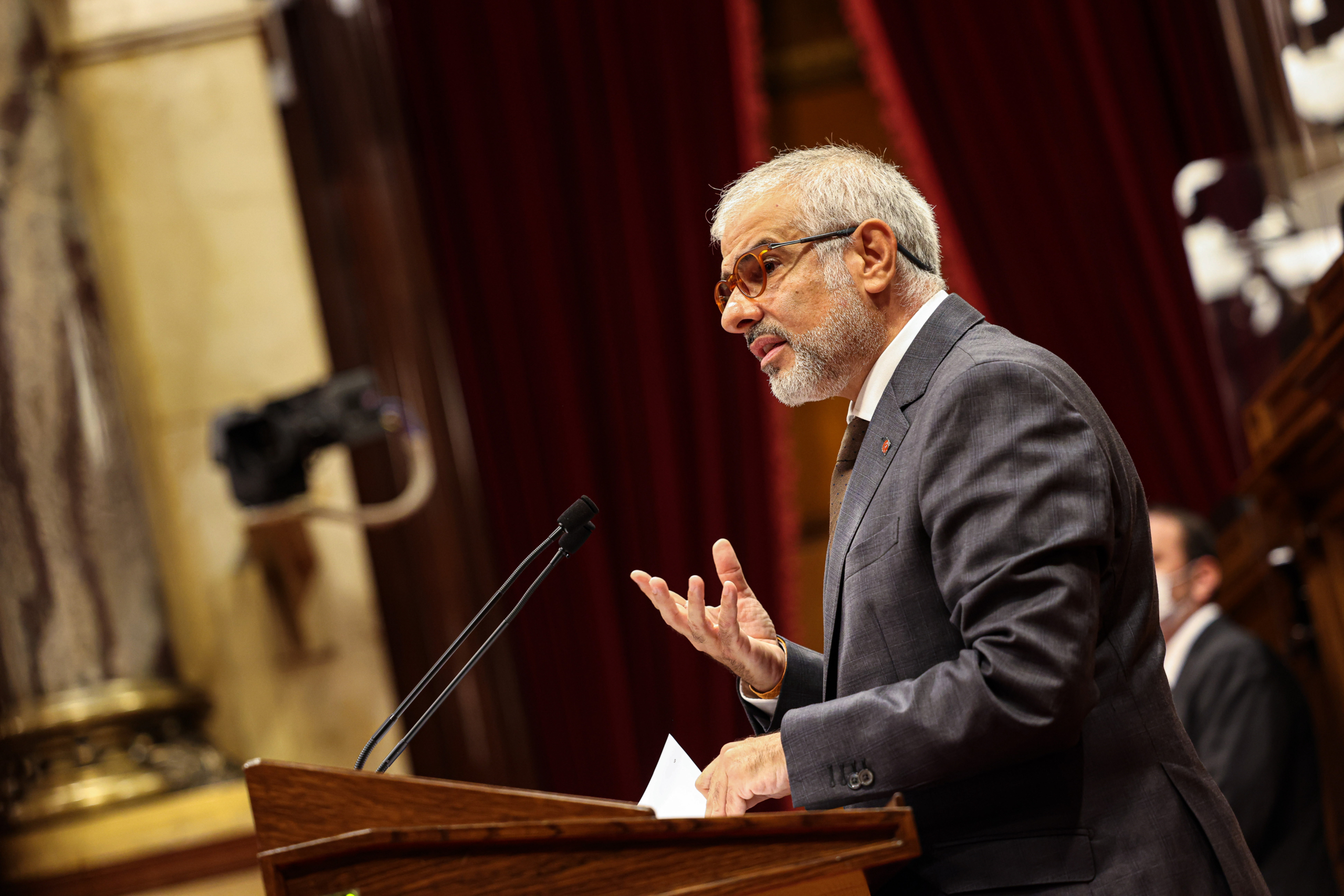 El líder de Ciutadans a Catalunya, Carlos Carrizosa, durant la rèplica al debat de política general / Jordi Borràs