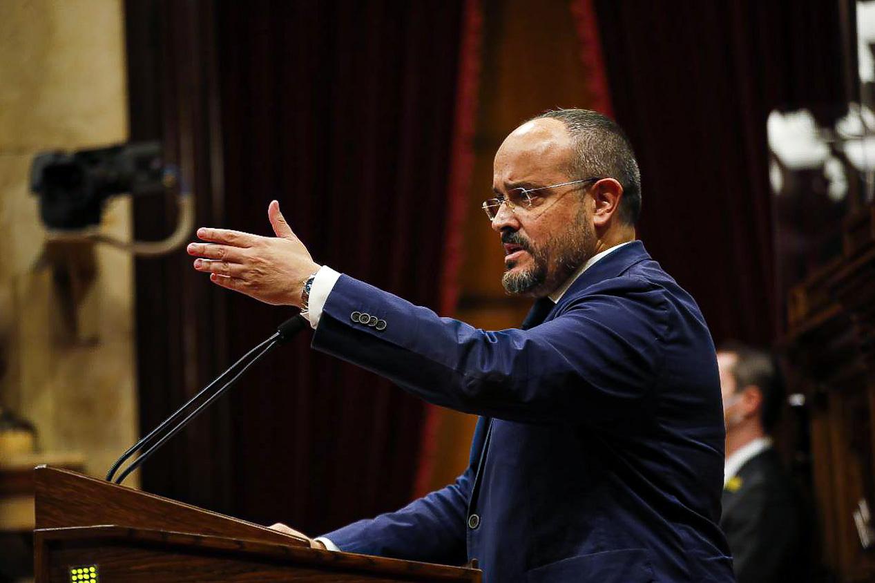 El líder del PP a Catalunya, Alejandro Fernández, durant el debat de política general / Jordi Borràs