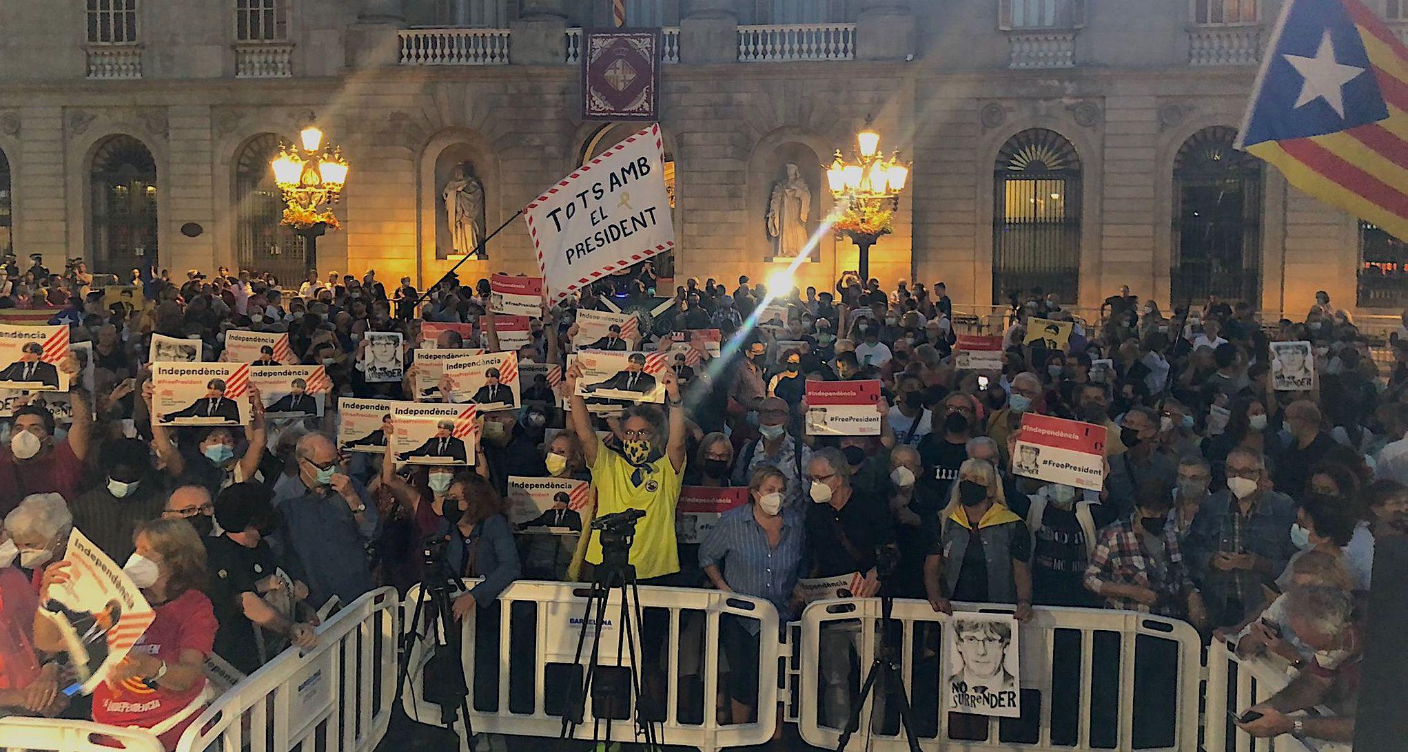 Concentració a la plaça Sant Jaume contra la detenció de Puigdemont / I.N.