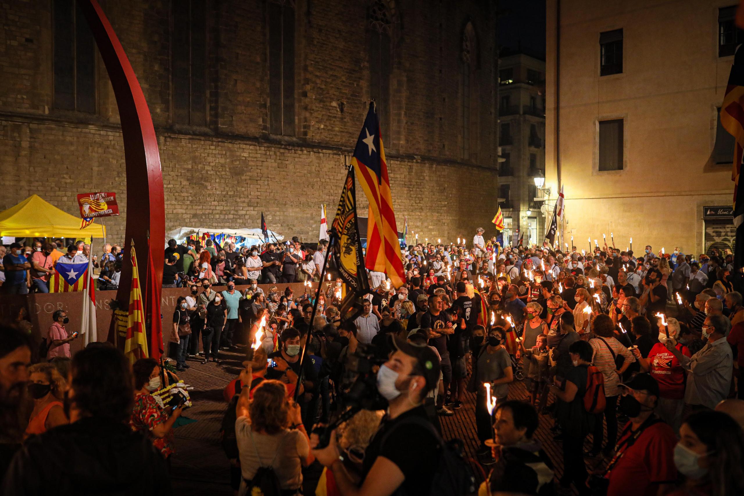 El Fossar de les Moreres durant la vetlla d'aquesta nit /Jordi Borràs